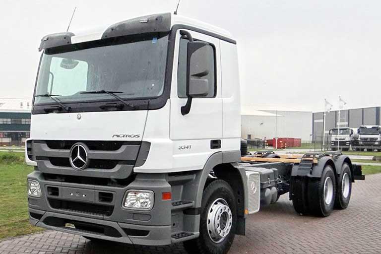 Тягач Mercedes-BENZ ACTROS 3350s